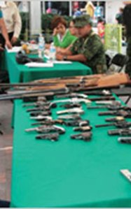 Tamaulipas, collecting weapons in exchange for food!